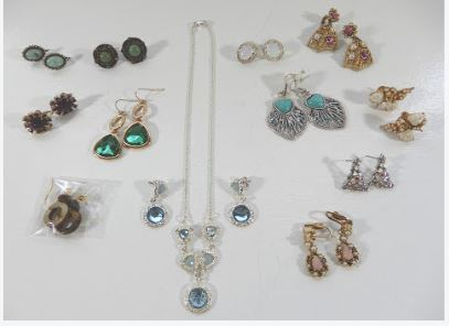 EAR RING LOT