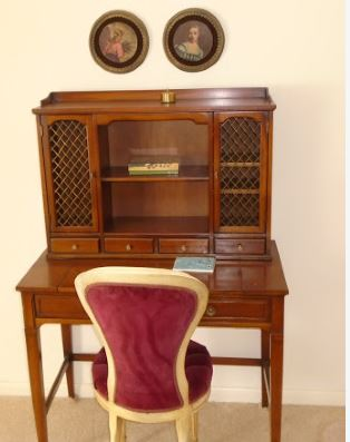 LADIE'S WRITING DESK