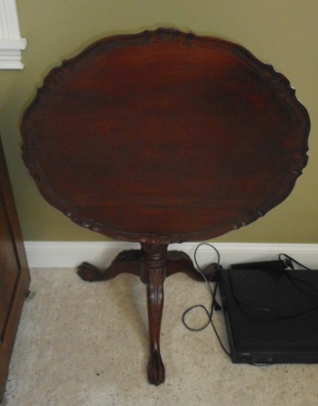 TILT TOP GAME TABLE