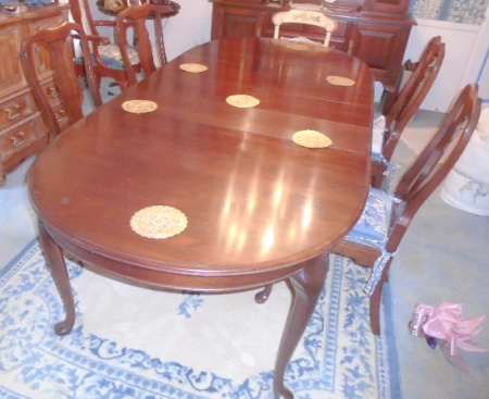 GENERAL INTERIORS DINING TABLE SET
