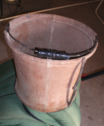FOLDING LEATHER HORSE PAIL