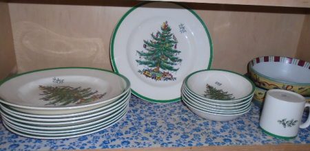 SPODE CHRISTMAS CHINA SET